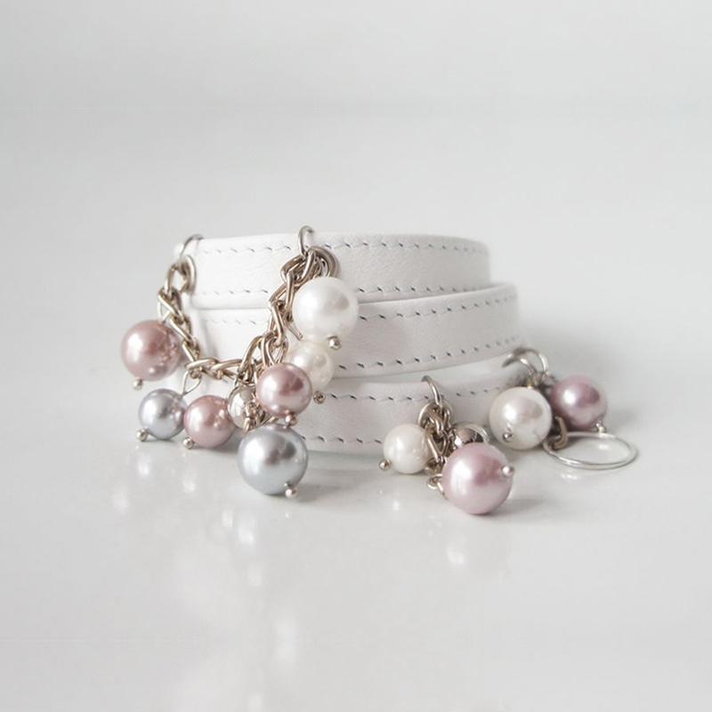 Белый браслет из кожи Pearls
