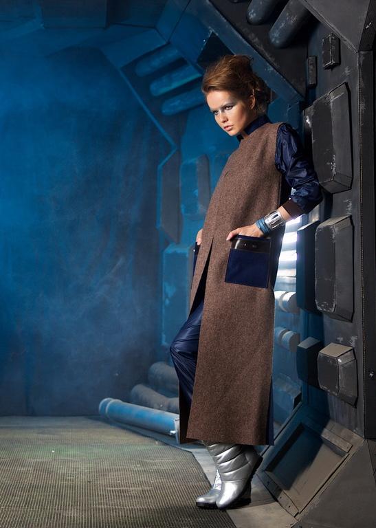 Жилет- пальто из шерстяного сукна, с кожей